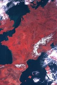 OceanSat-2 shows chlorophyll content (level 1B data not geo-corrected)