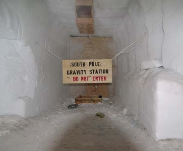 South Pole Gravity Station