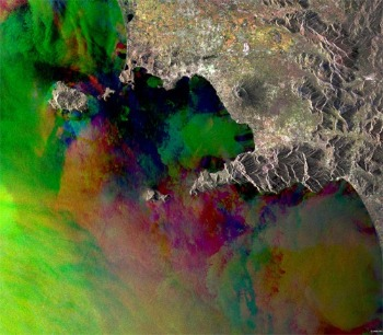 ERS-2 SAR imaged the Bay of Naples